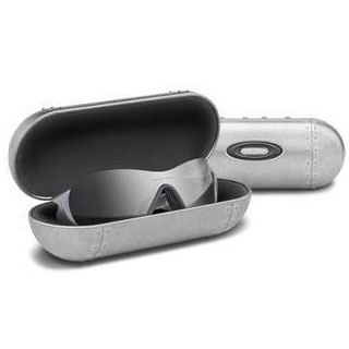 オークリー LARGE METAL VAULT Eyewear Cases